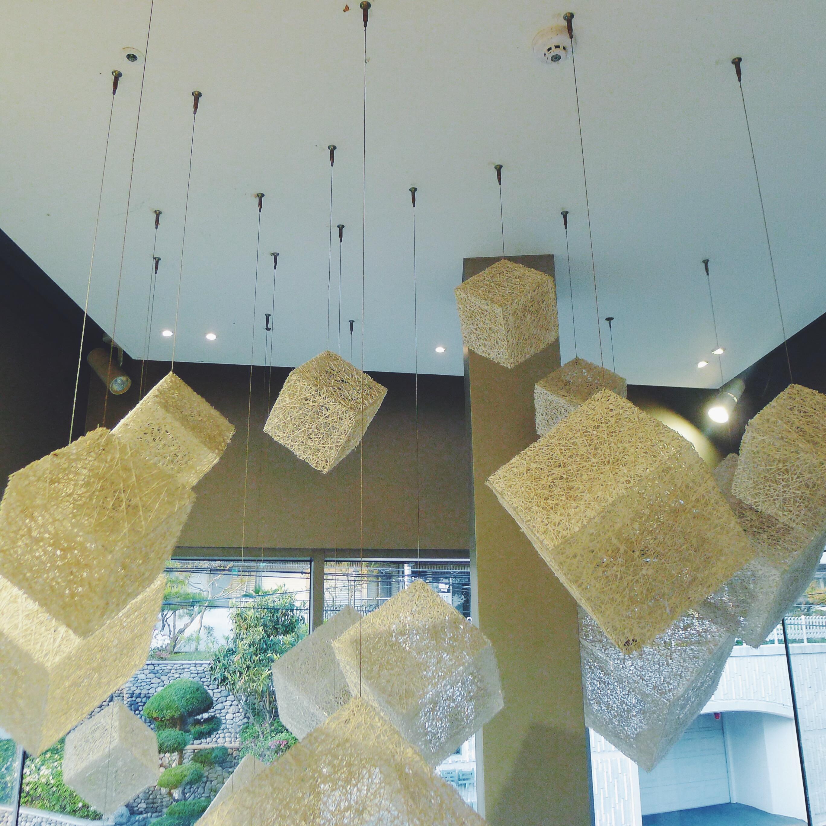 Light installations upon entry